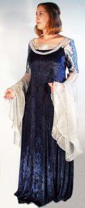 Arwens blau-weißes Kleid