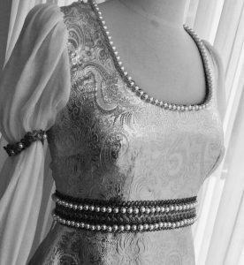 Vorderseite Aschenbrödels Brautkleid